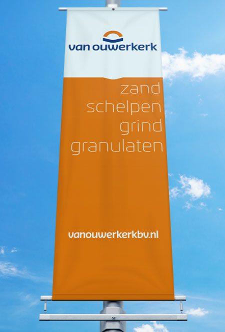 Van Ouwerkerk banier